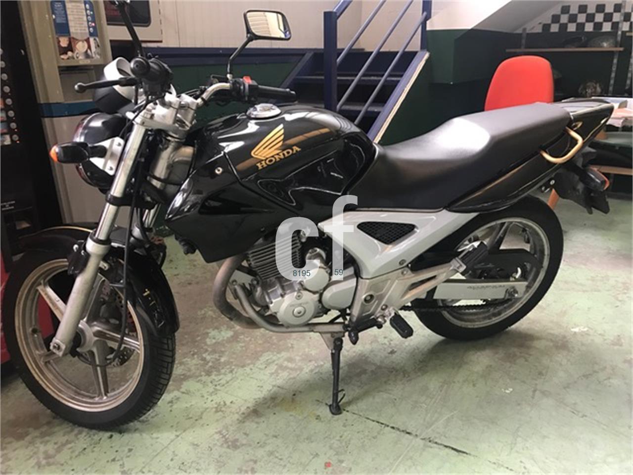 HONDA CB 250 F de venta