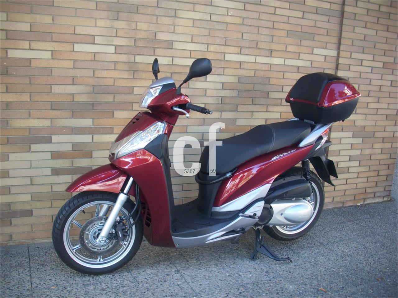 HONDA SCOOPY SH300i ABS Top Box de venta