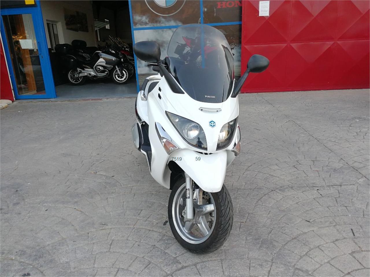 PIAGGIO X EVO 250