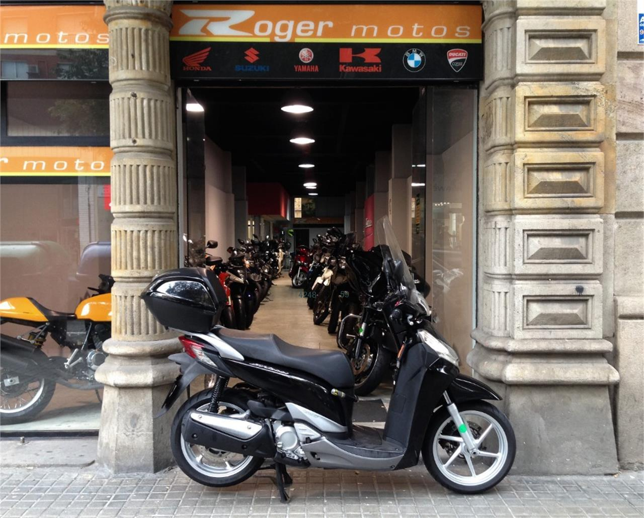 HONDA SCOOPY SH300I ABS TOP BO