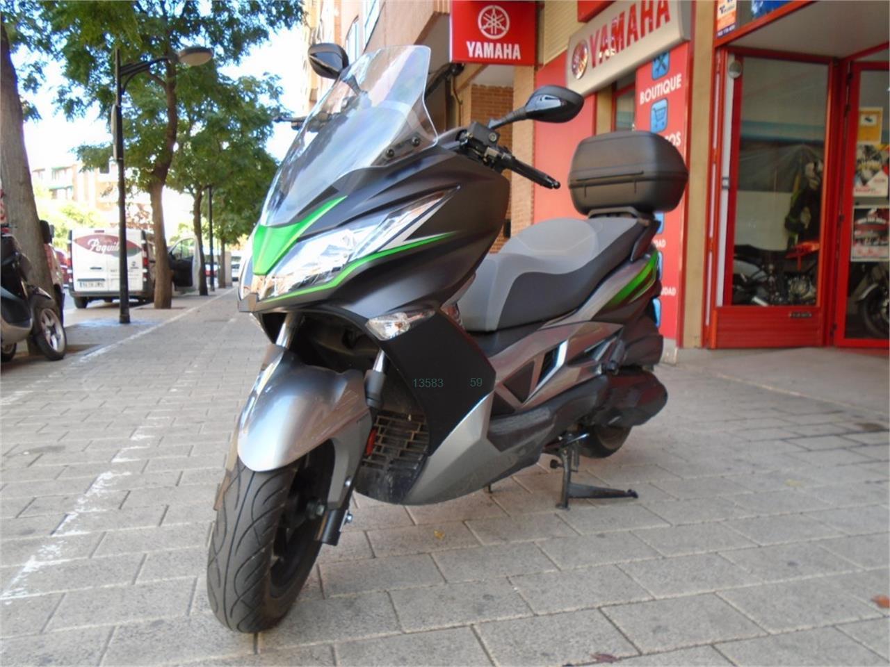 KAWASAKI J 300 SE ABS