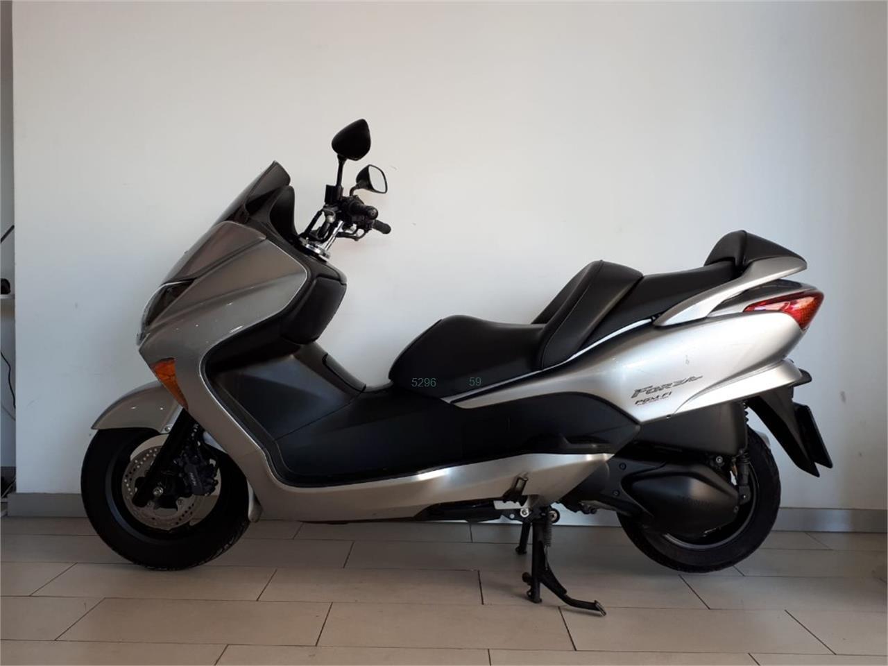 HONDA FORZA 250 X