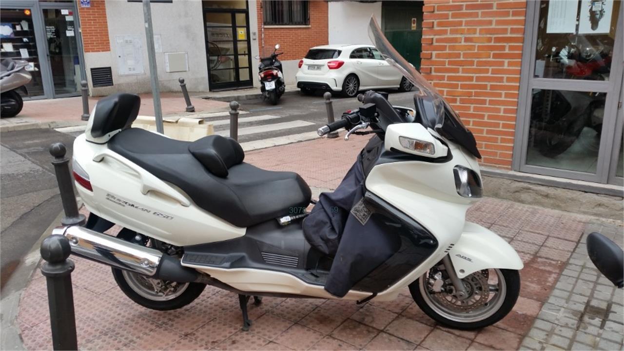 SUZUKI BURGMAN 650 Executive_4 de venta en Madrid
