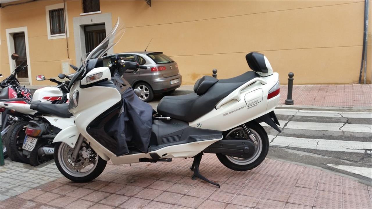 SUZUKI BURGMAN 650 Executive_1 de venta en Madrid