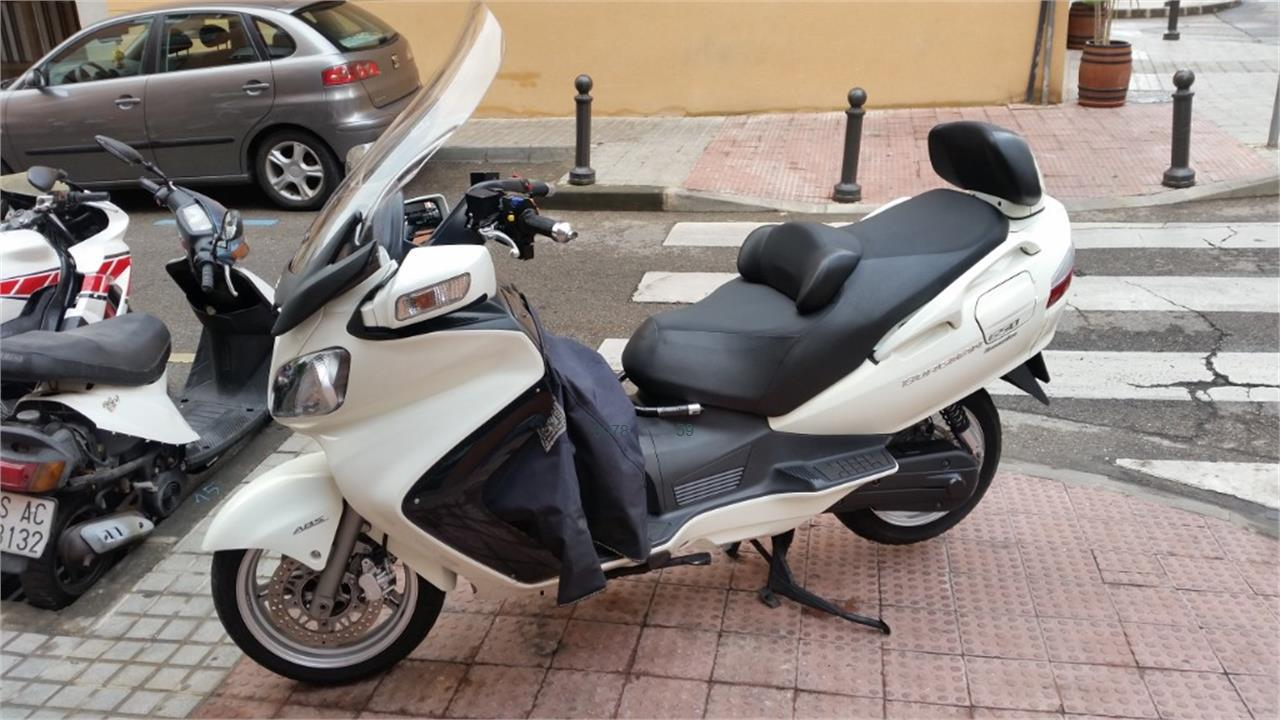 SUZUKI BURGMAN 650 Executive_2 de venta en Madrid