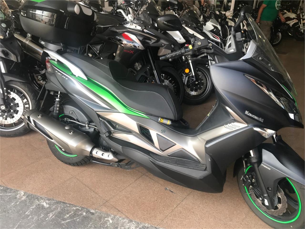 KAWASAKI J 300 SE ABS de venta