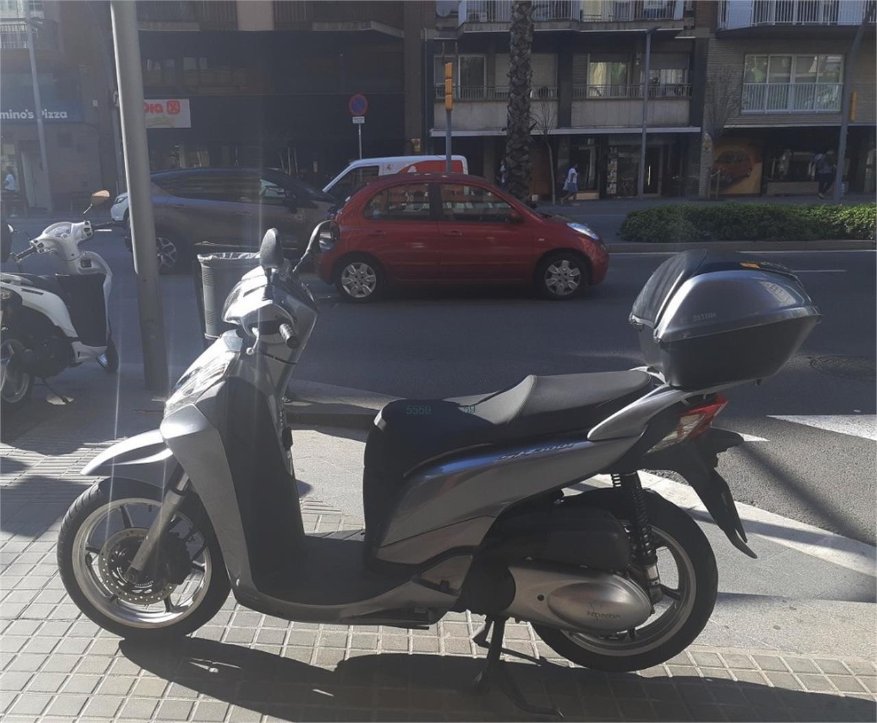 HONDA SCOOPY SH300i ABS TopBox de venta