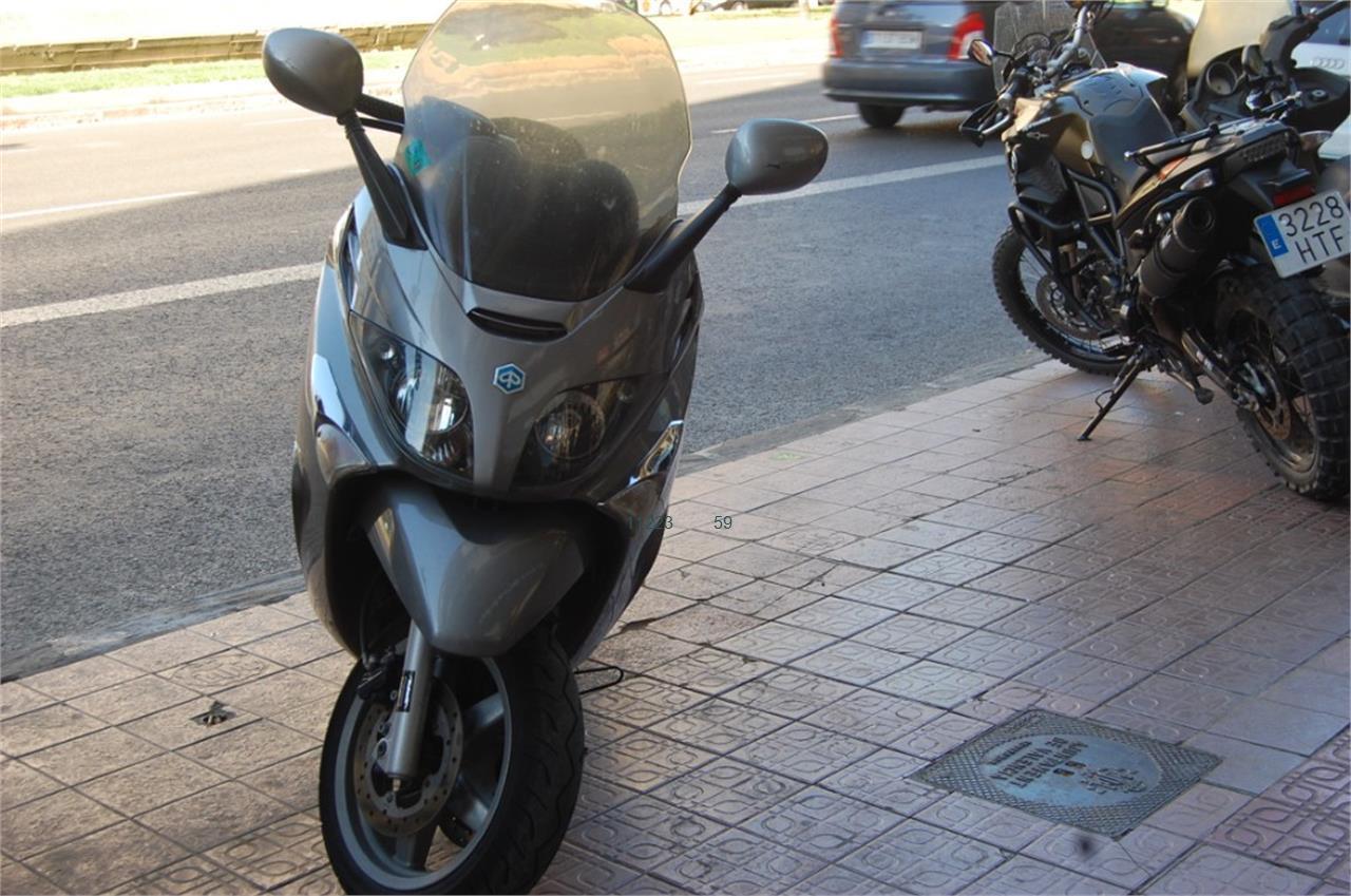PIAGGIO X EVO 400